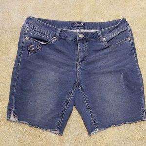 Seven7 Jeans Bermuda Shorts, distressed wash